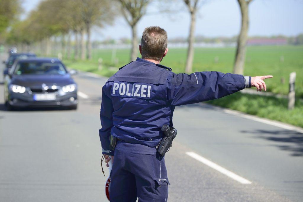 Anwalt BtM Fahrzeugkontrolle und Drogenfund durch Polizei oder Zoll
